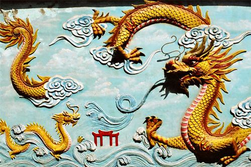 Dragon_in_clouds
